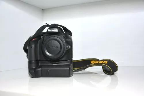 Câmera nikon d3200 com grip + 2 baterias
