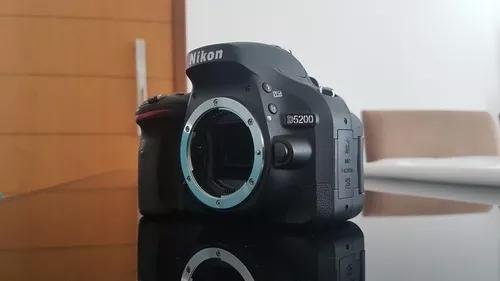 Nikon 5200 (troco sansung s10+ novo)