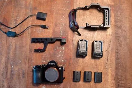Sony a7si +3 baterias +2 chargers+ rig cage varavon