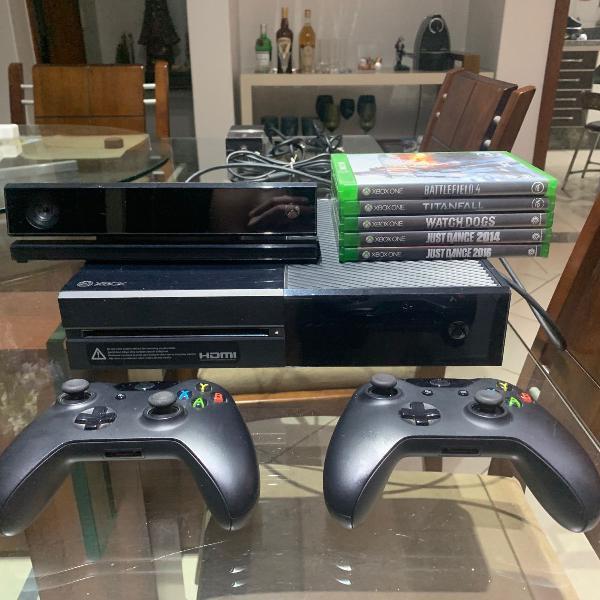 Xbox one 500gb com kinect, dois controles e 5 jogos