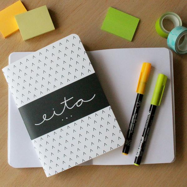 Caderninho artesanal - eita