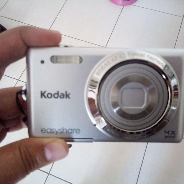 Câmera fotográfica digital kodak