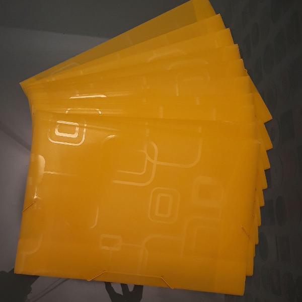 Conjunto de 10 pastas amarelas para organização de