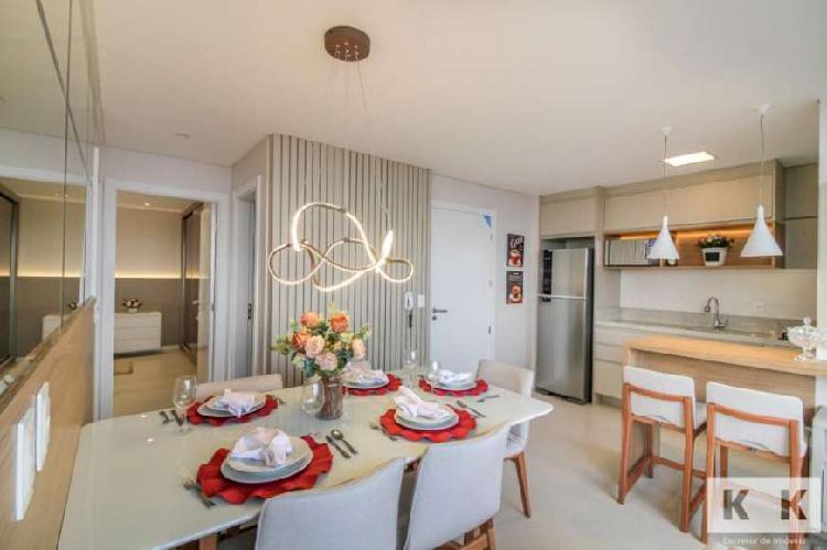 Apartamento finamento decorado e mobiliado no centro,