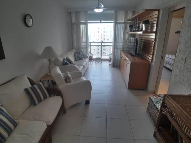 Apartamento à venda em excelente localização na praia de