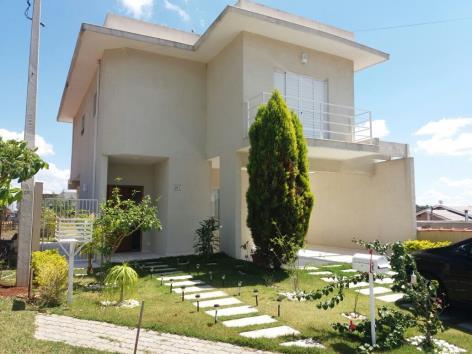 Casa à venda no condomínio terras de atibaia i com 165 m²