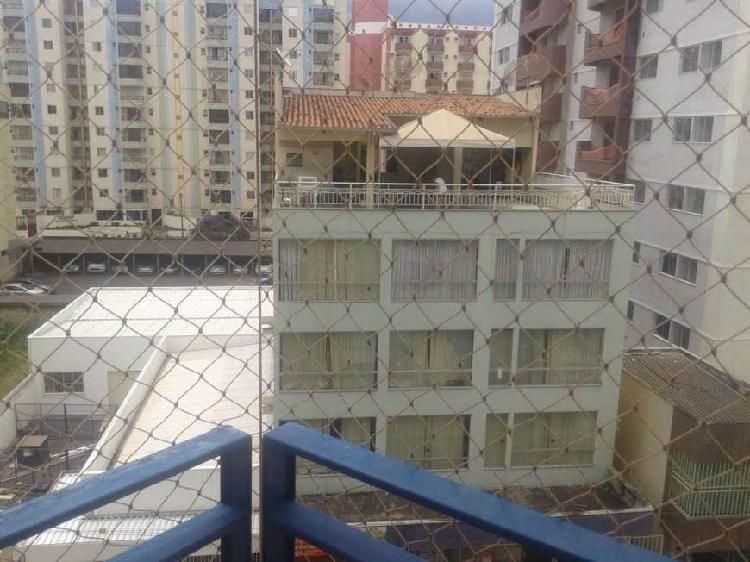 Edifício residencial para venda tem 410 metros quadrados