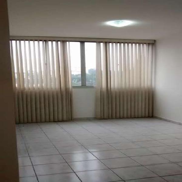 Vende-se ótimo apartamento próximo ao metro campo limpo