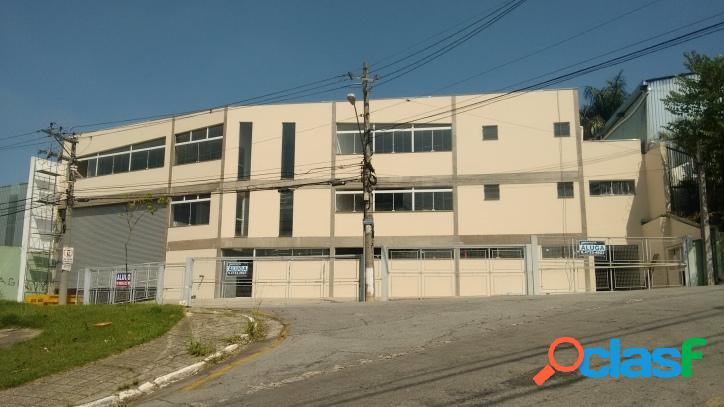 Galpão em Barueri com 2400 m²