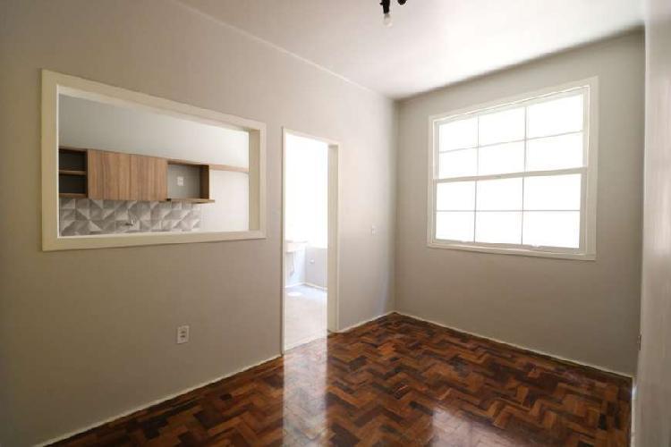 Apartamento para venda com 2 quartos no centro histórico -