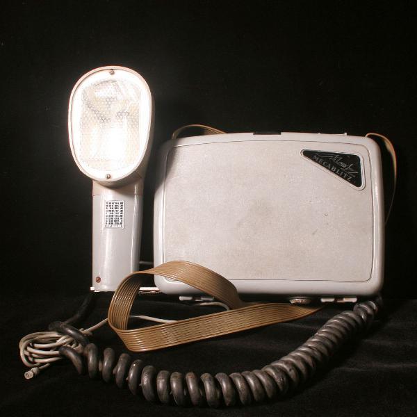 Flash mecablitz fabricado na década de 1960