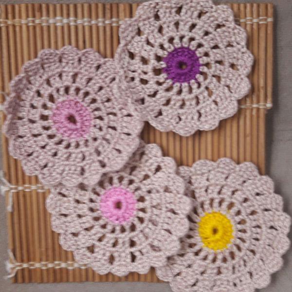 Porta copos em crochê floreira