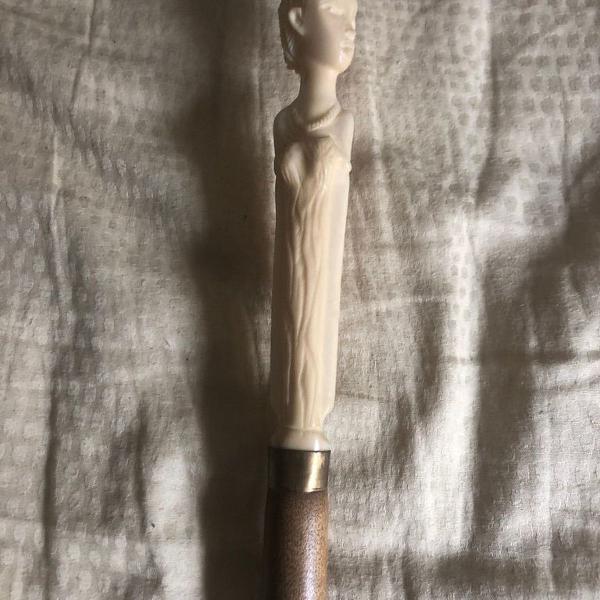 Bengala antiga de coleção em madeira - cabo em marfim