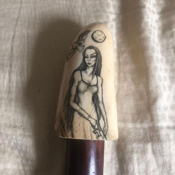 Bengala antiga de coleção em madeira - cabo marfim