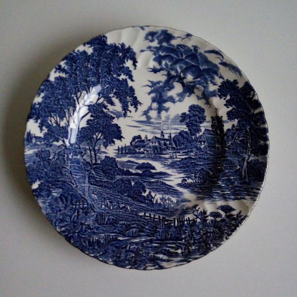 Jogo de jantar em porcelana inglesa