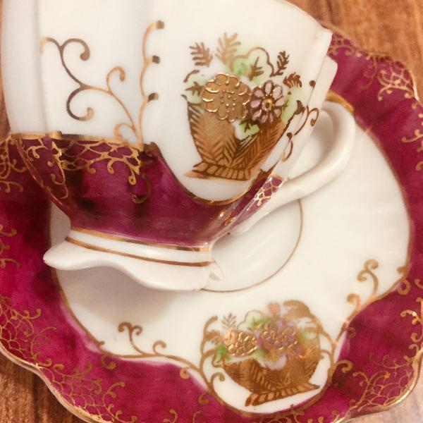 Xícara de cafezinho em porcelana japonesa
