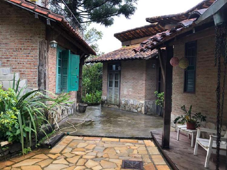 Casa no condomínio vila do ouro em nova lima/mg.