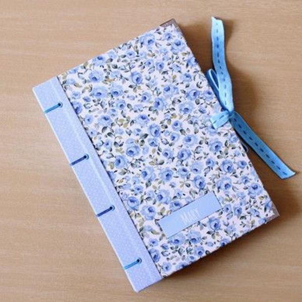Caderno a5 'floral azul'