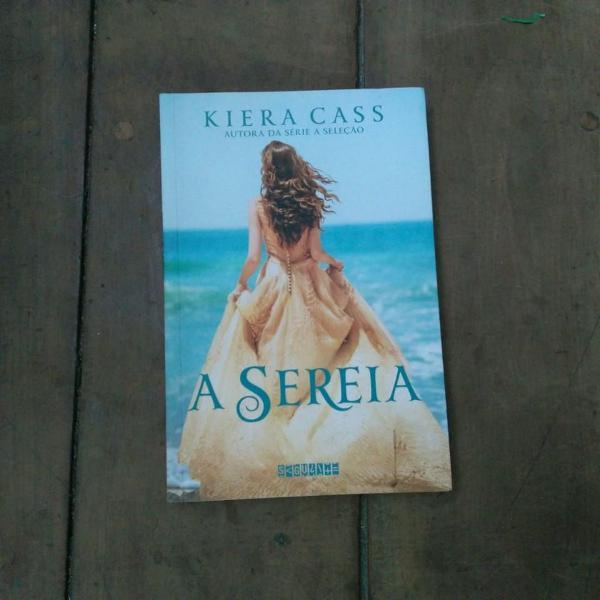 """Livros: """"a sereia"""" e """"a coroa"""" de kiera cass"""