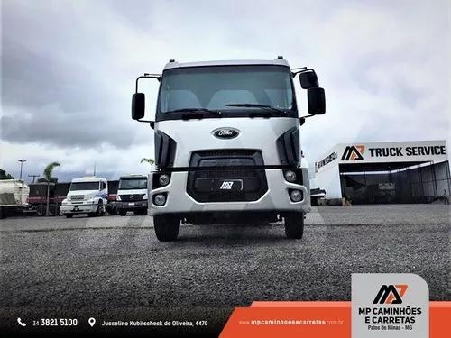 Caminhão ford cargo toco 1519 carroceria de madeira 4x2