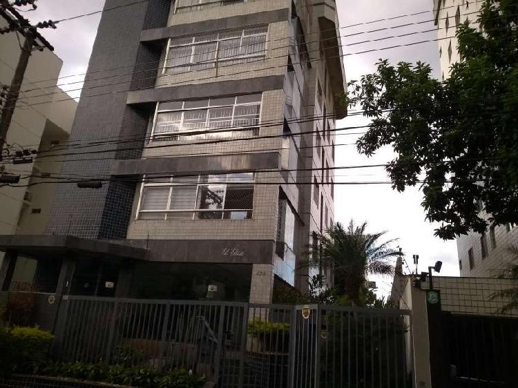 Apartamento para aluguel com 134 metros quadrados com 4