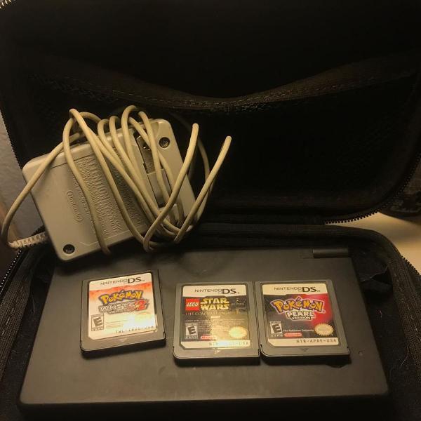 Nintendo dsi preto + 3 jogos