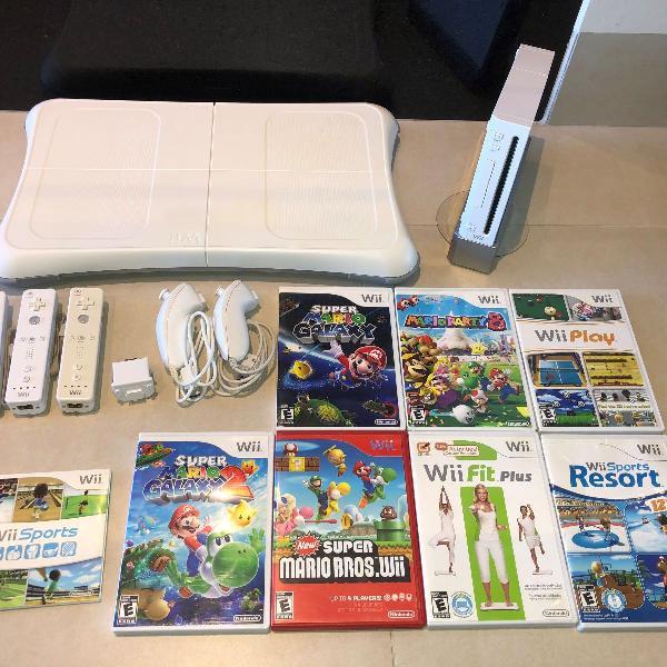 Nintendo wii seminovo + 8 jogos originais e acessórios