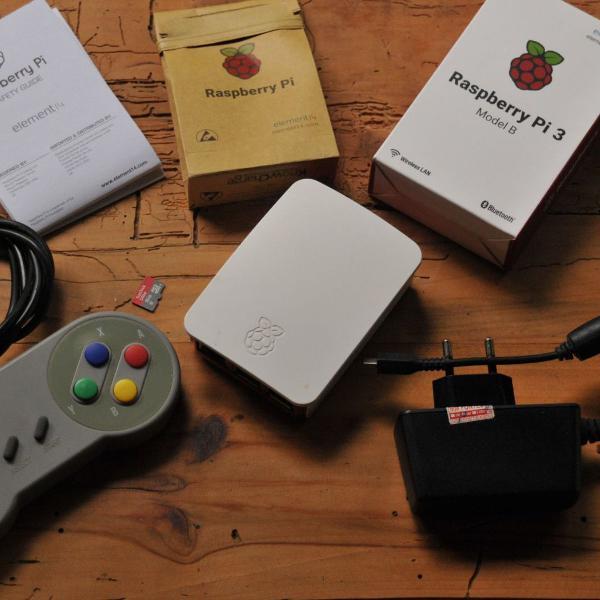 Raspberry pi 3 b com sistema operacional retro pi
