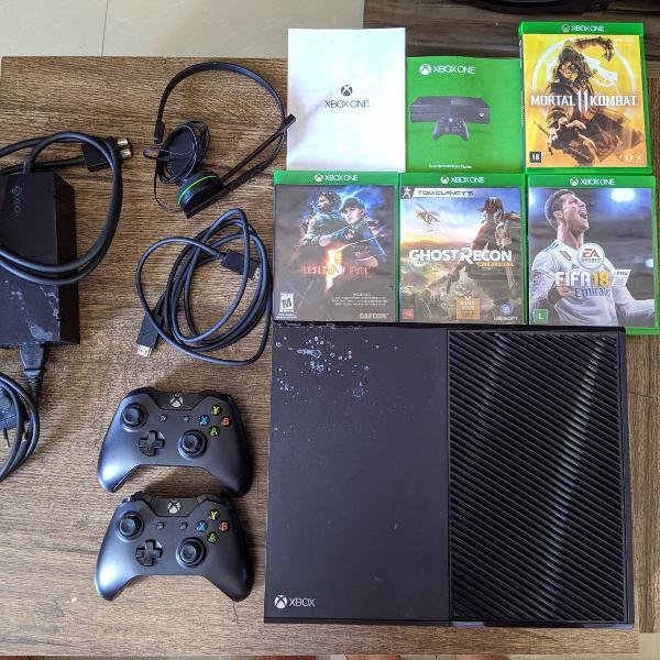 Xbox one 500gb + 7 jogos + headset