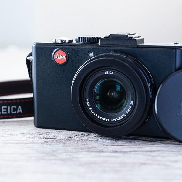 Camera leica compacta em estado de nova