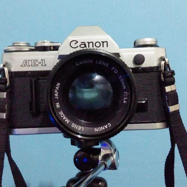 Câmera fotográfica analógica canon