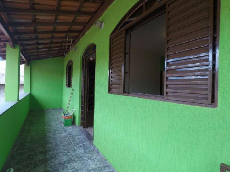 Casa individual 3 quartos com suíte, varanda e 2 vagas
