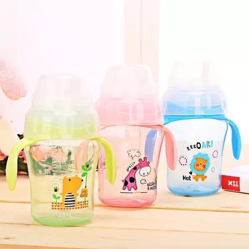 Copo infantil, suco, água, leite, vitamina