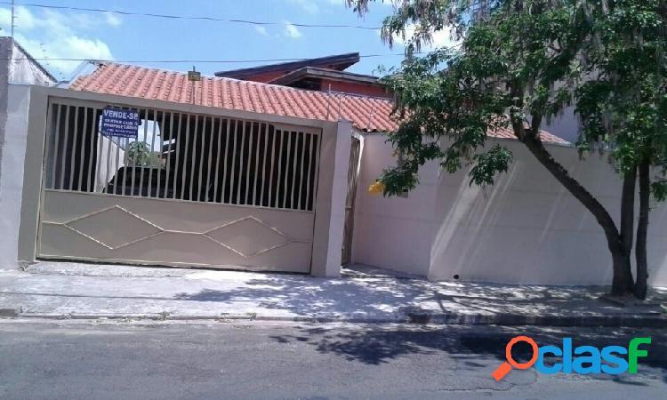 Casa no jardim terra branca, 2 quartos, garagem coberta.