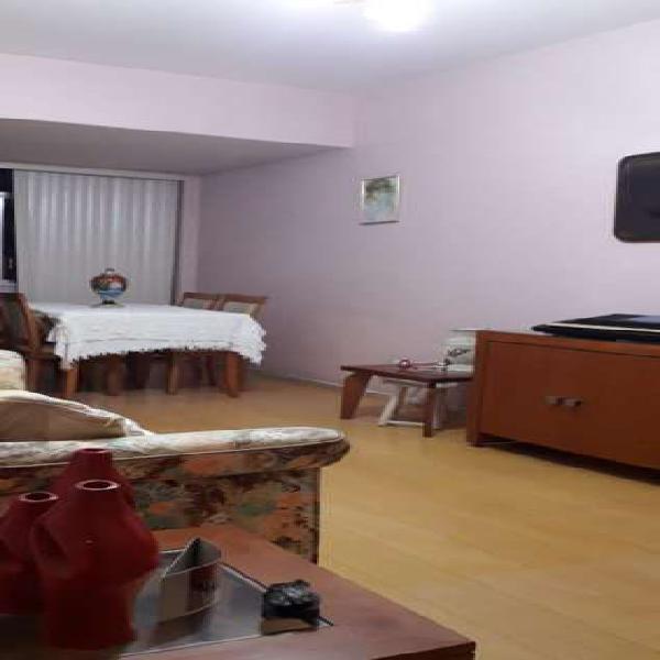 Belo apartamento de 2 quartos +dependência completa e área