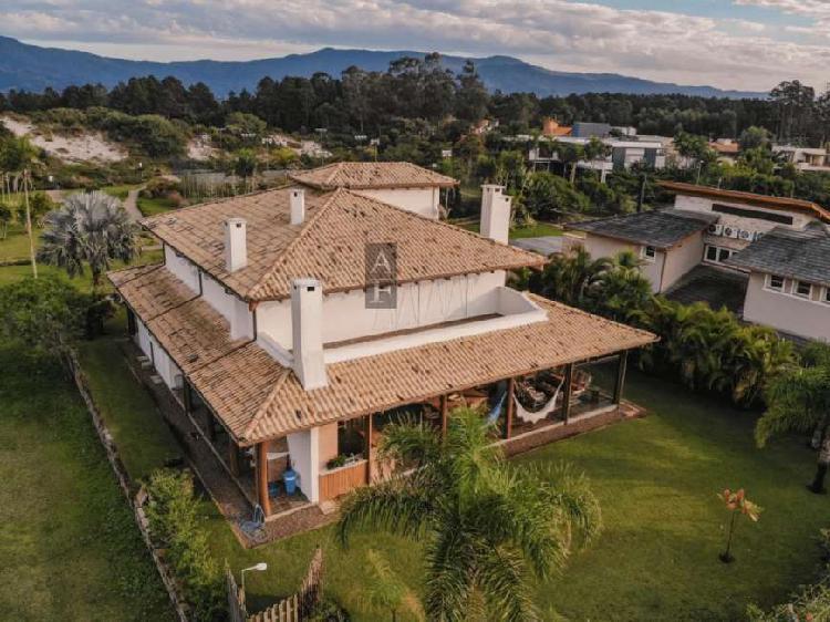 Casa alto padrão para venda - kv628