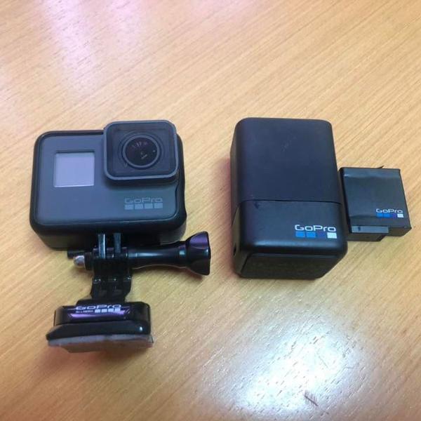 Câmera go pro hero 5 + bateria extra + carregador extra