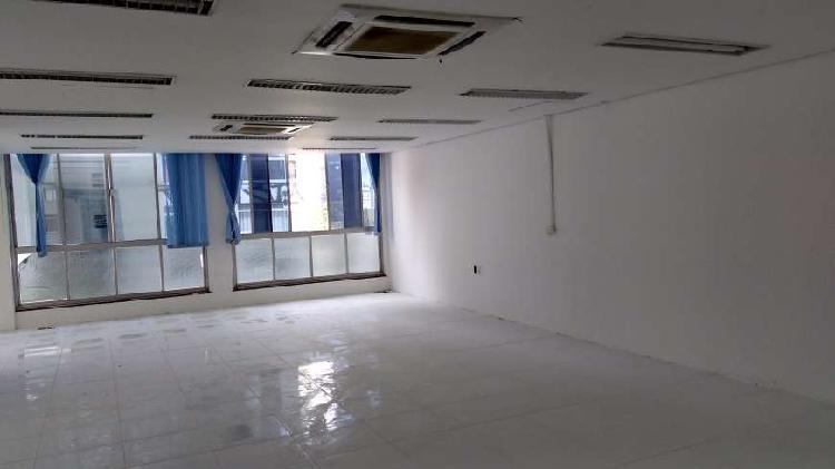 Andar / laje corporativa de 300 m², vão livre , reformada.