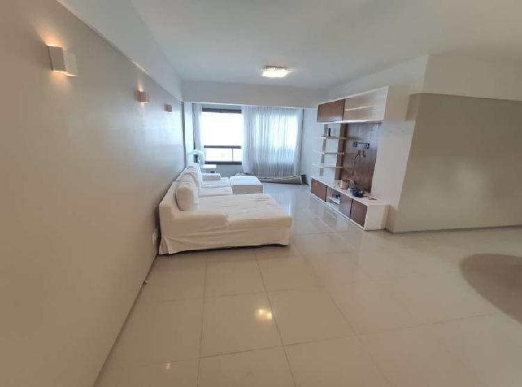 Apartamento para aluguel possui 155 metros quadrados com 4