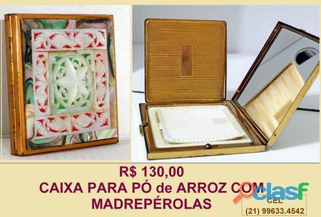 Antiga caixa para pó de arroz em madrepérola.