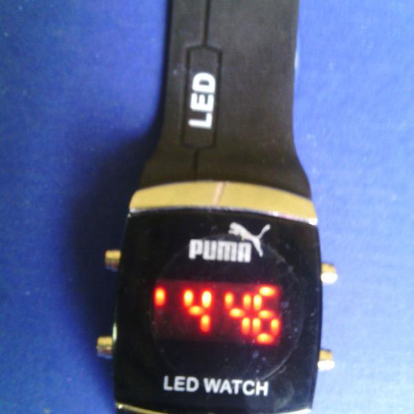 Relógio digital de led pulso de cor preta