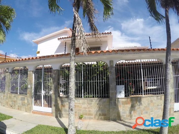 Venta hermosa casa en valle de camoruco 618 mts