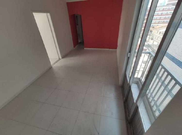 Apartamento de 2 dormitórios CANTO DO FORTE, frente para a