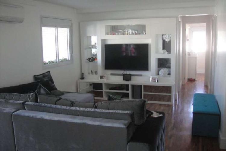 Apartamento em excelente condomínio