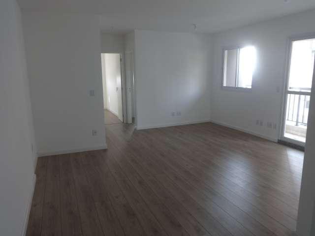 Vende apartamento com 2 dormitórios sendo 66m² na vila