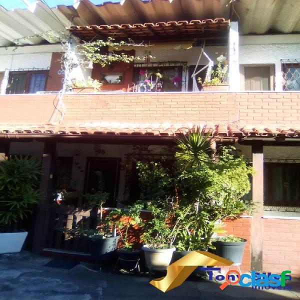 Excelente casa duplex em condomínio em cabo frio !!!
