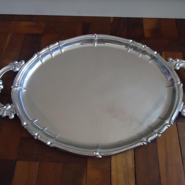 Bandeja oval em inox grande borda trabalhado usado