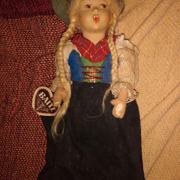 Boneca vintage austríaca
