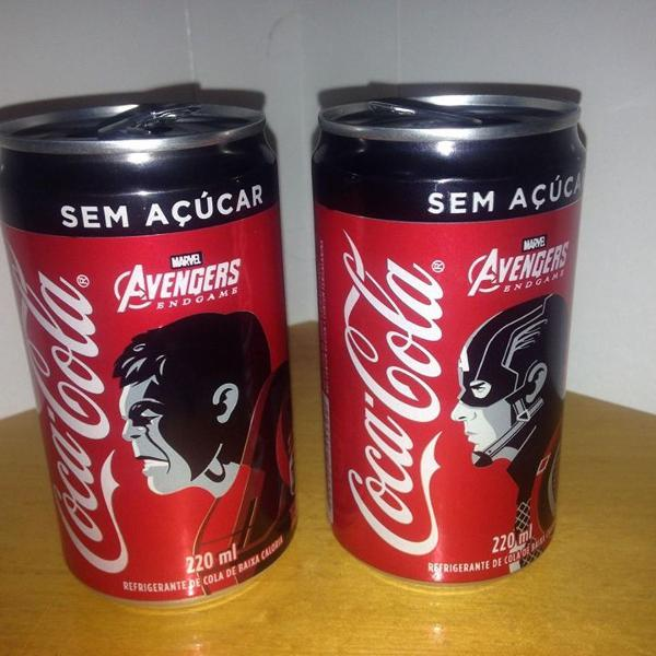 Coca cola 2 latas 220ml vazias hulk capitão américa r$39