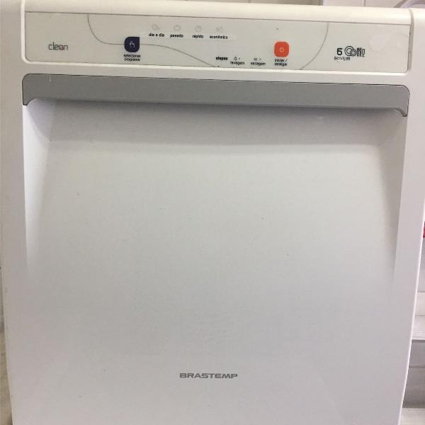 Máquina de lavar louça da brastemp